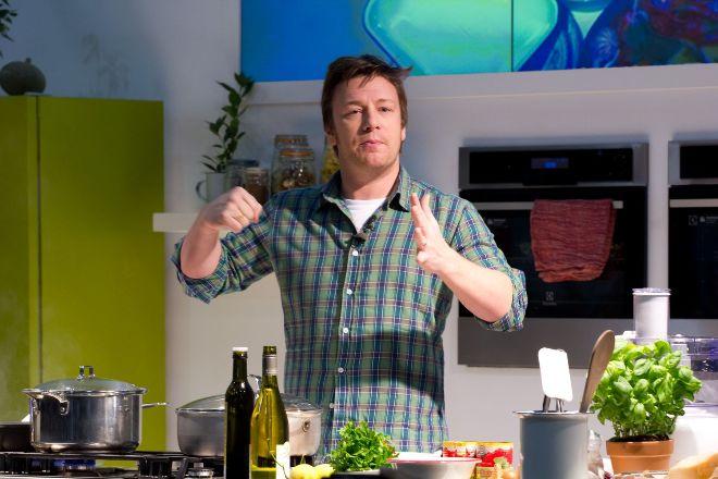欠債29億台幣 明星主廚Jamie Oliver將關12家分店