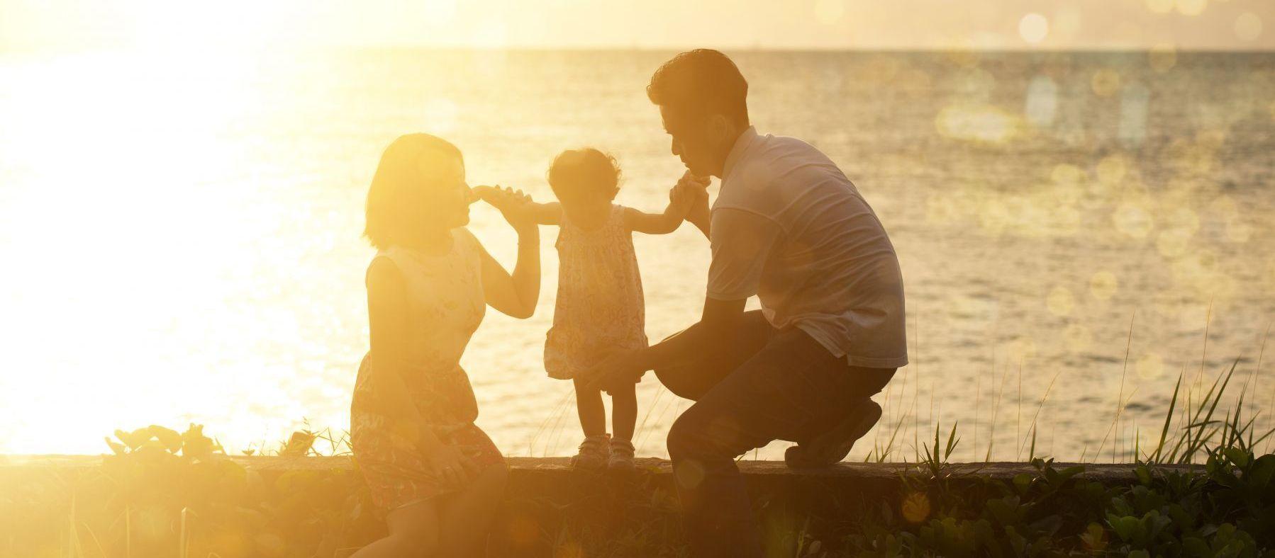 家庭月收入要多少才能養小孩?上班族:10萬
