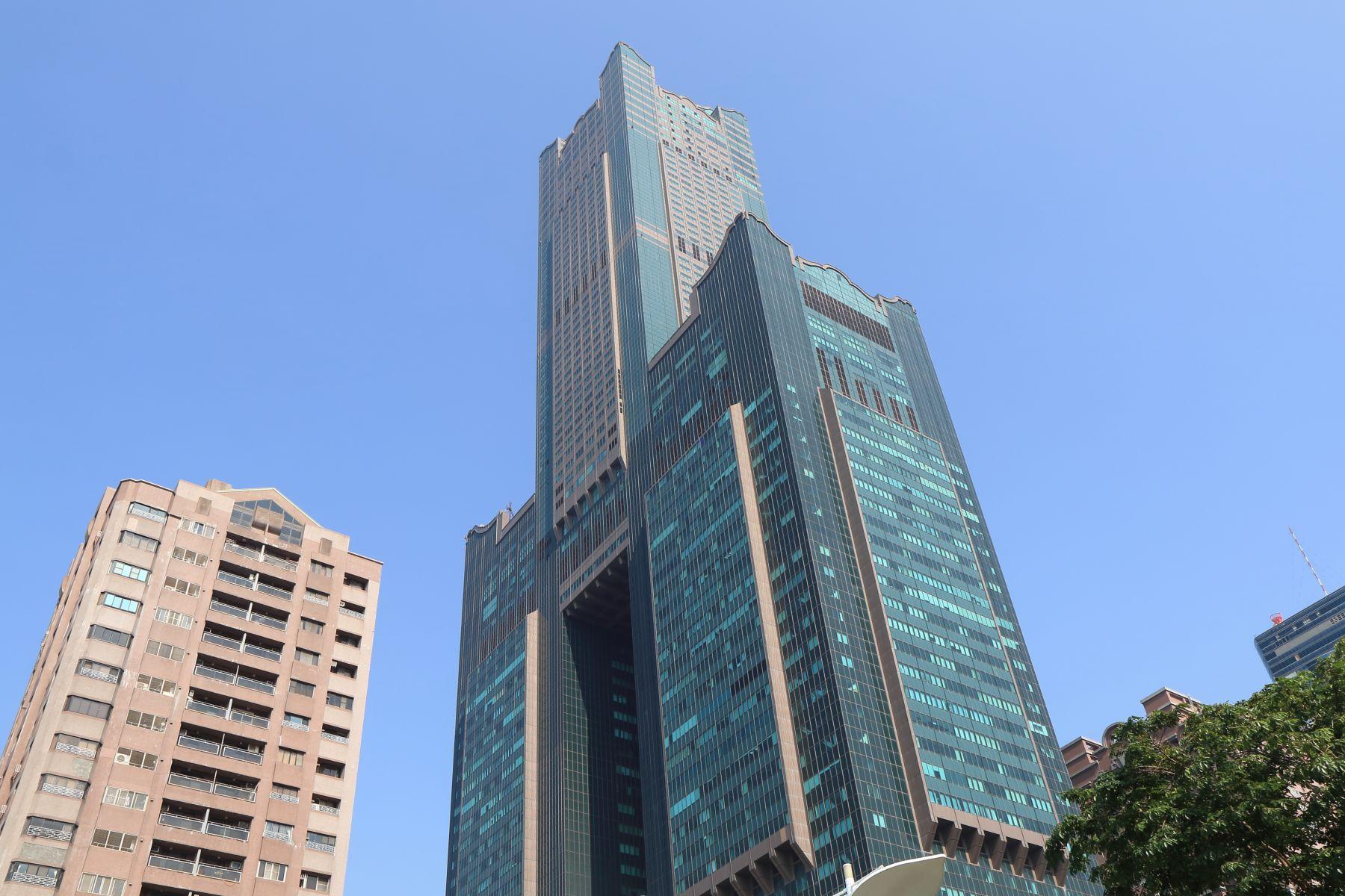 日租套房住兩晚只要999 高雄85大樓為何沒落?