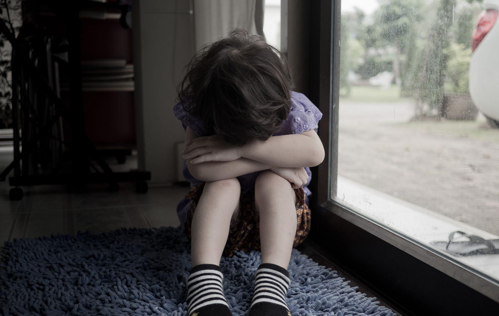 多少受虐兒童消失在官方數字間?兒虐難題看看香港怎麼做