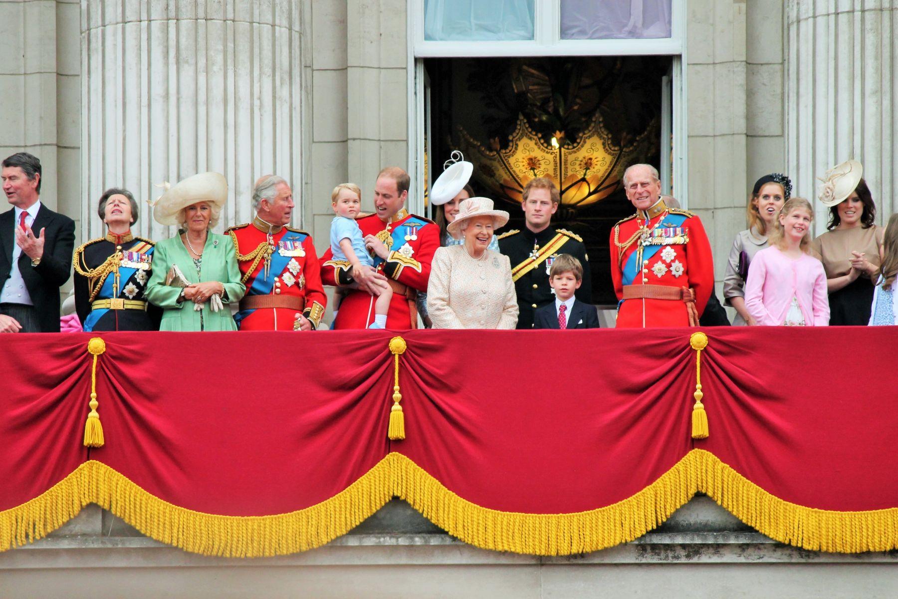 英國王室是「富二代」為什麼大眾那麼尊重他們?