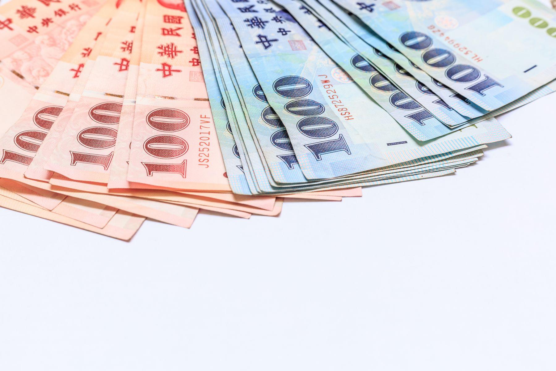 外資翻臉快 台幣重挫逾1.8角爆近3年最大成交量