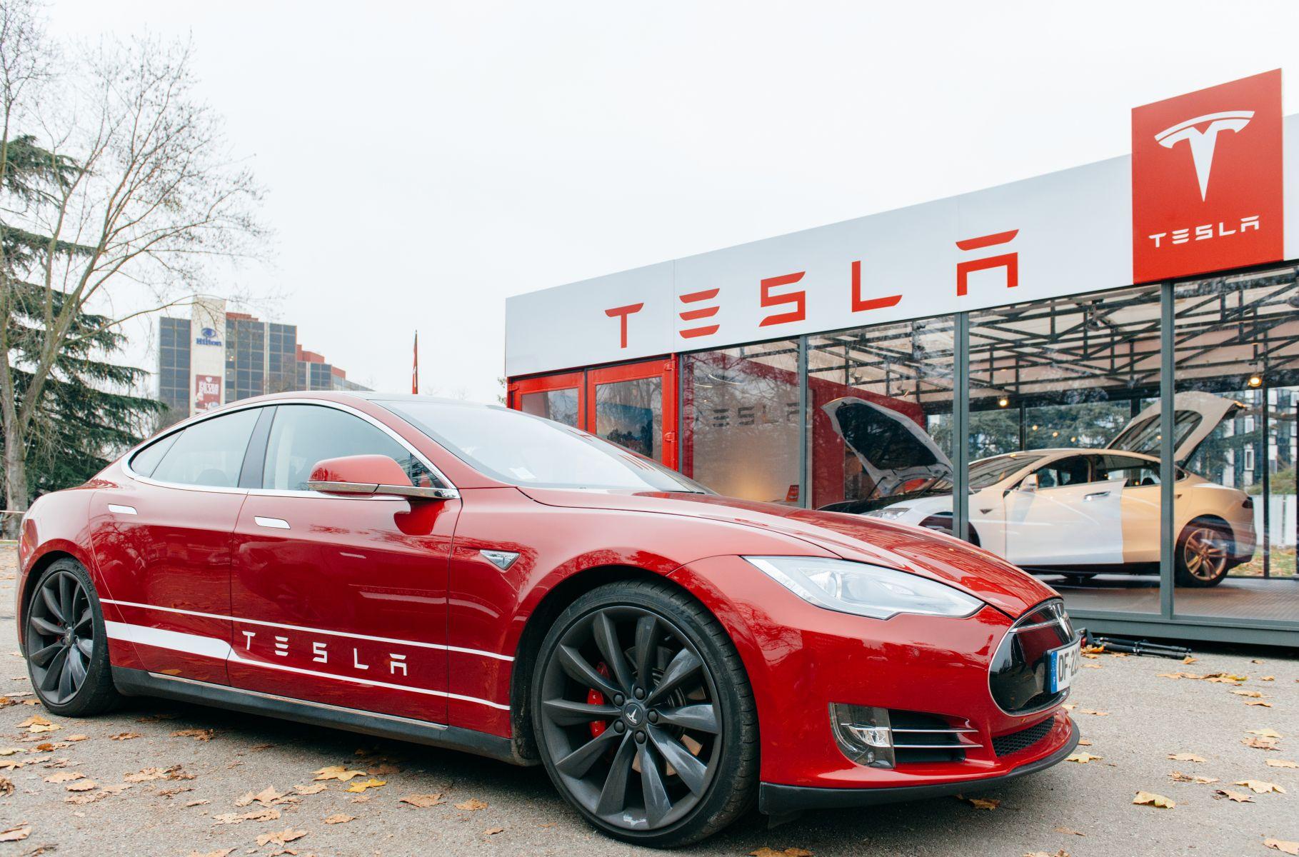 特斯拉遭舉報:安裝瑕疵電池與浮報產能數據44%