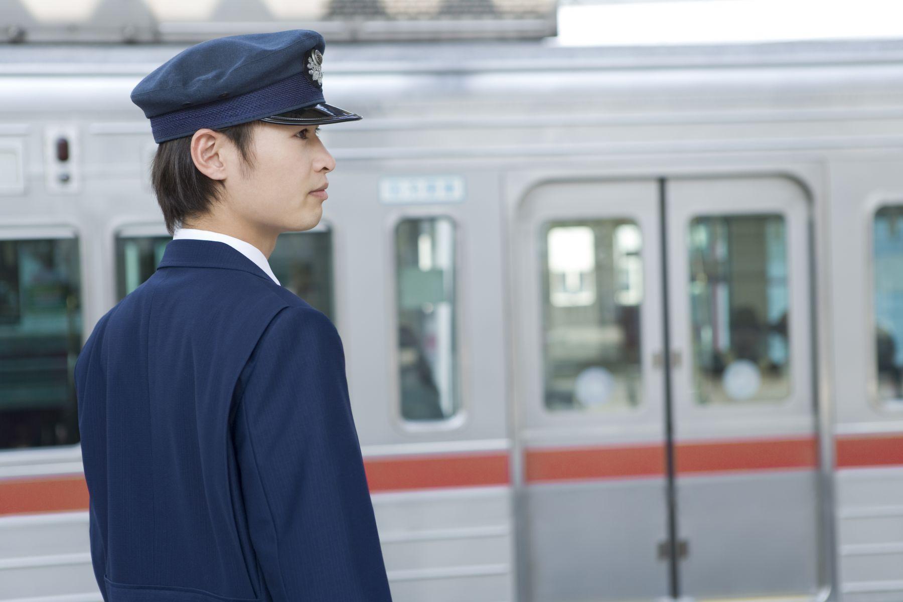 日本電車員工態度差?他說:他們是運輸業不是服務業