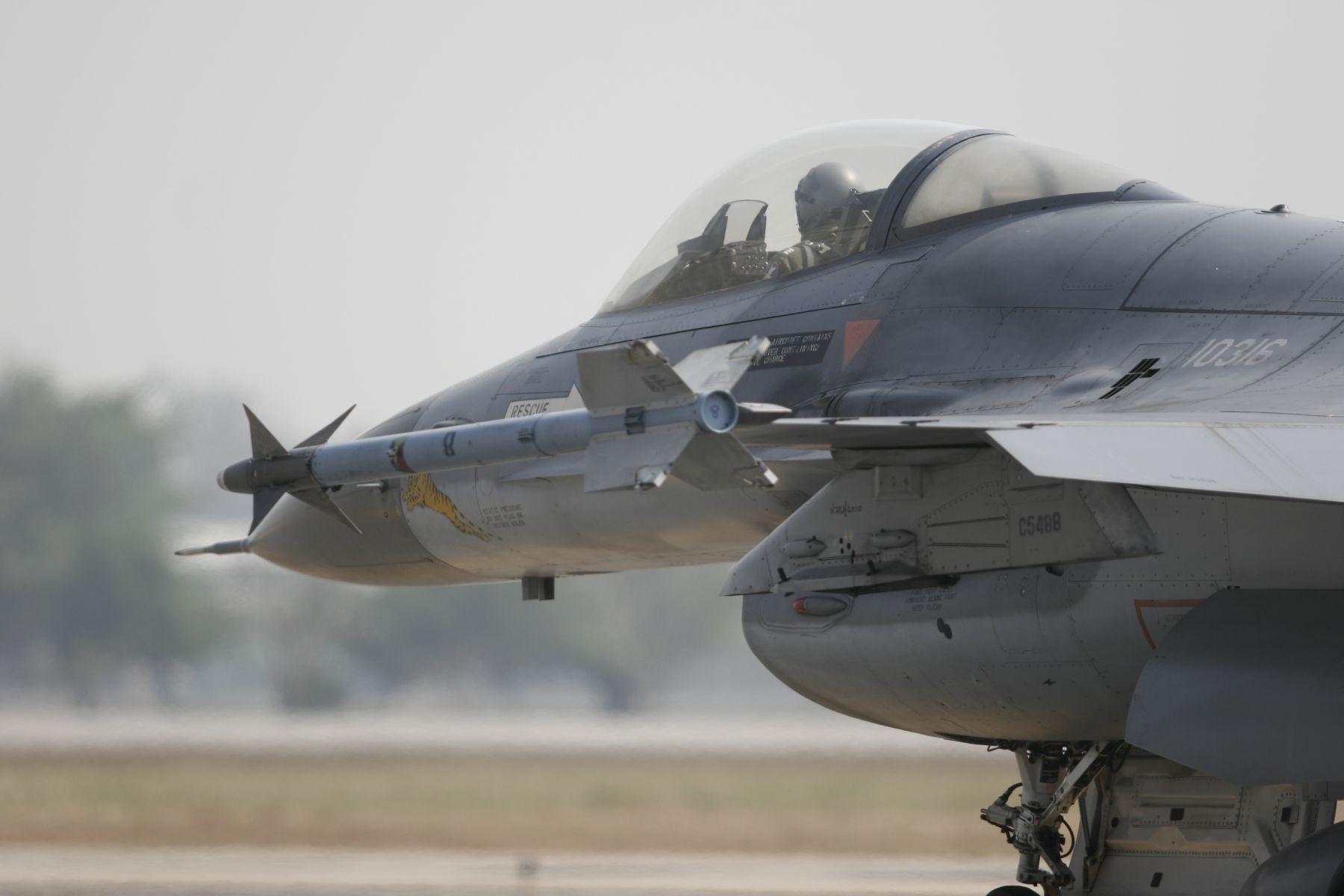 台灣之光!亞運健兒返台 F16軍機將升空迎接