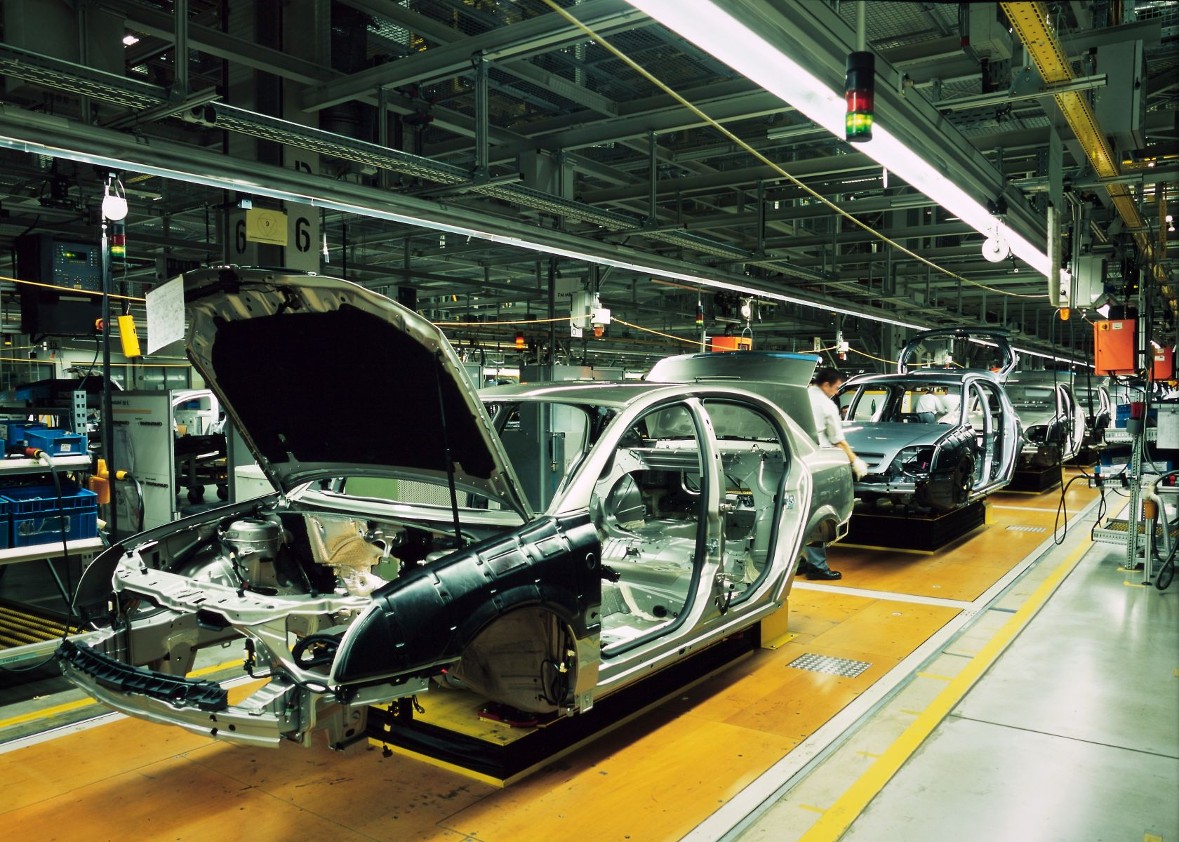汽車製造龍頭為何放有薪假?致命傷比貿易戰還慘