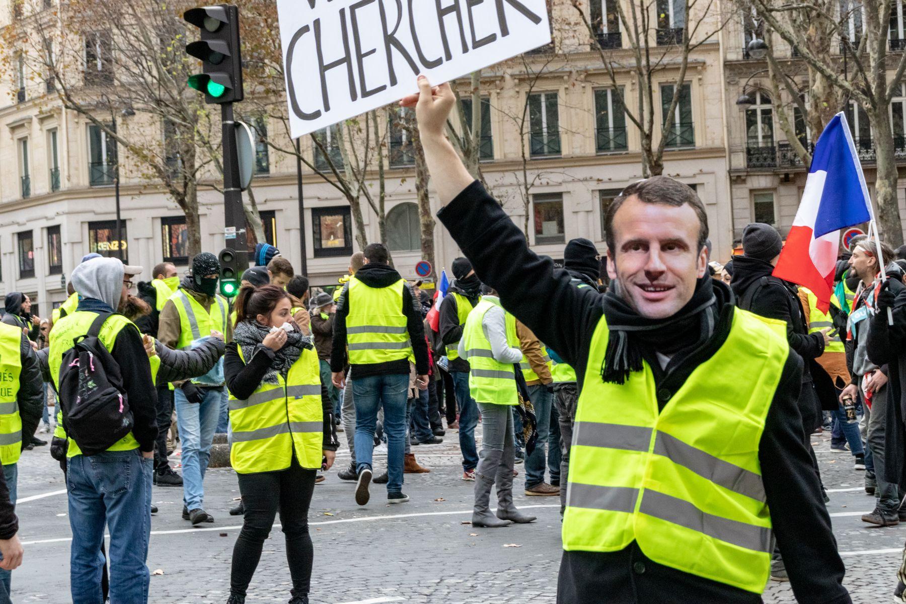 黃背心運動變調為暴動 法國政府考慮進入緊急狀態