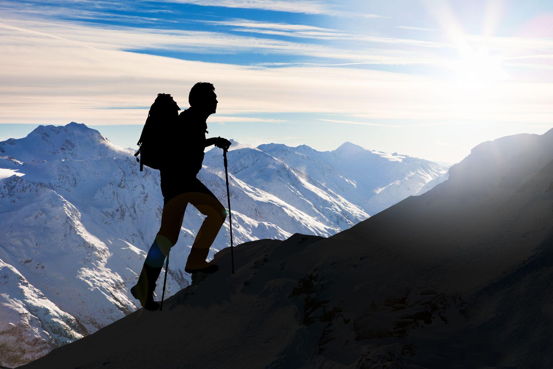 桂冠出版社負責人賴阿勝疑墜崖身亡》登山墜崖、迷路、抽筋時該怎麼辦?