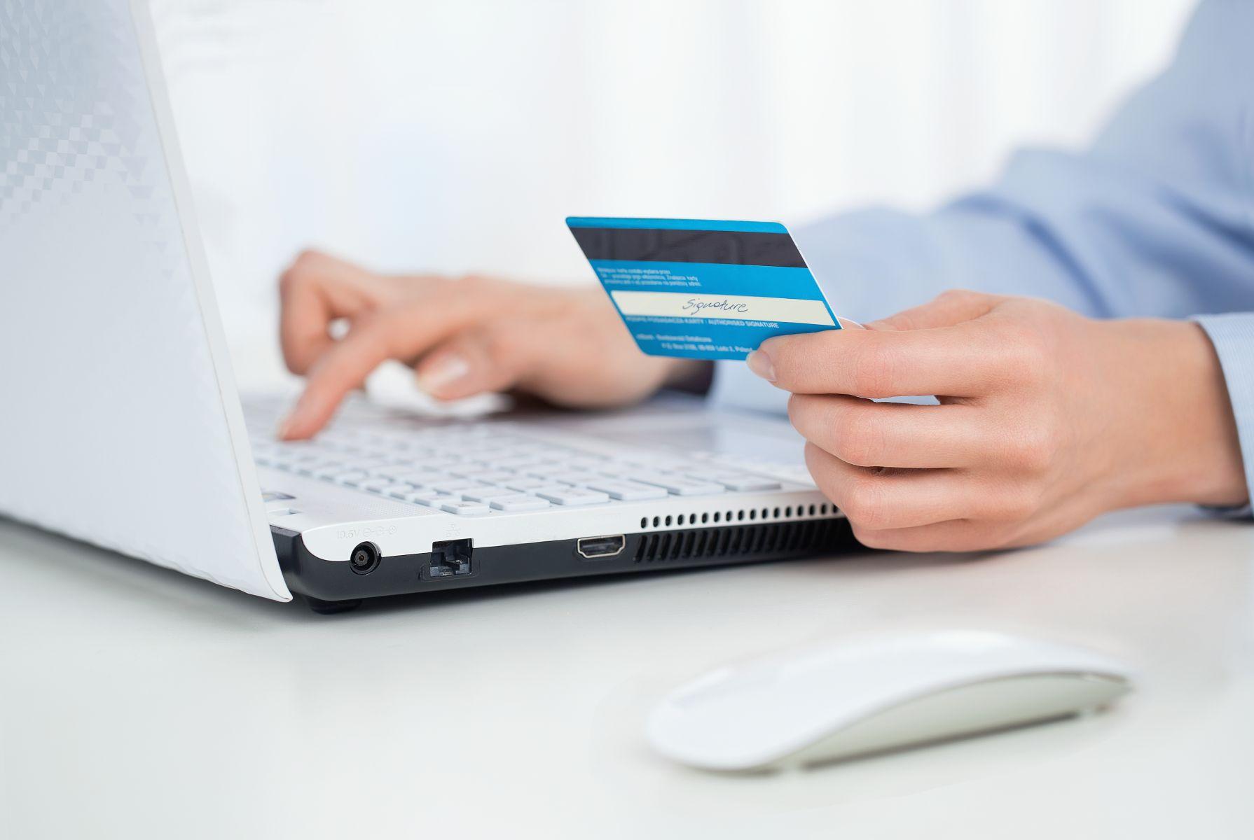 用哪張卡繳稅最划算?一表讓你秒懂