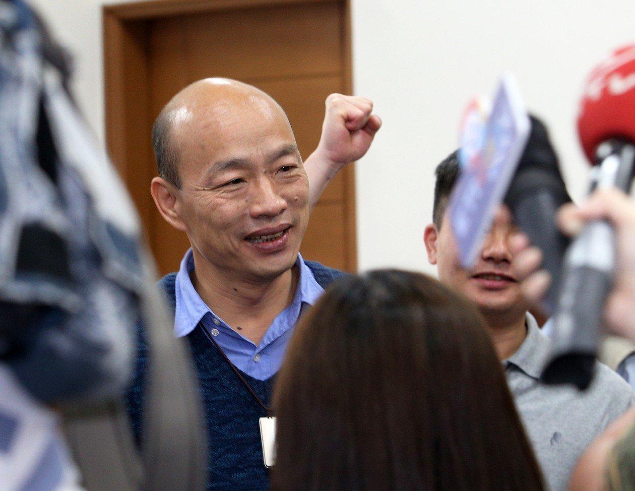 韓國瑜直言柯文哲聲勢看好 「他一面布局、一面保持微笑」