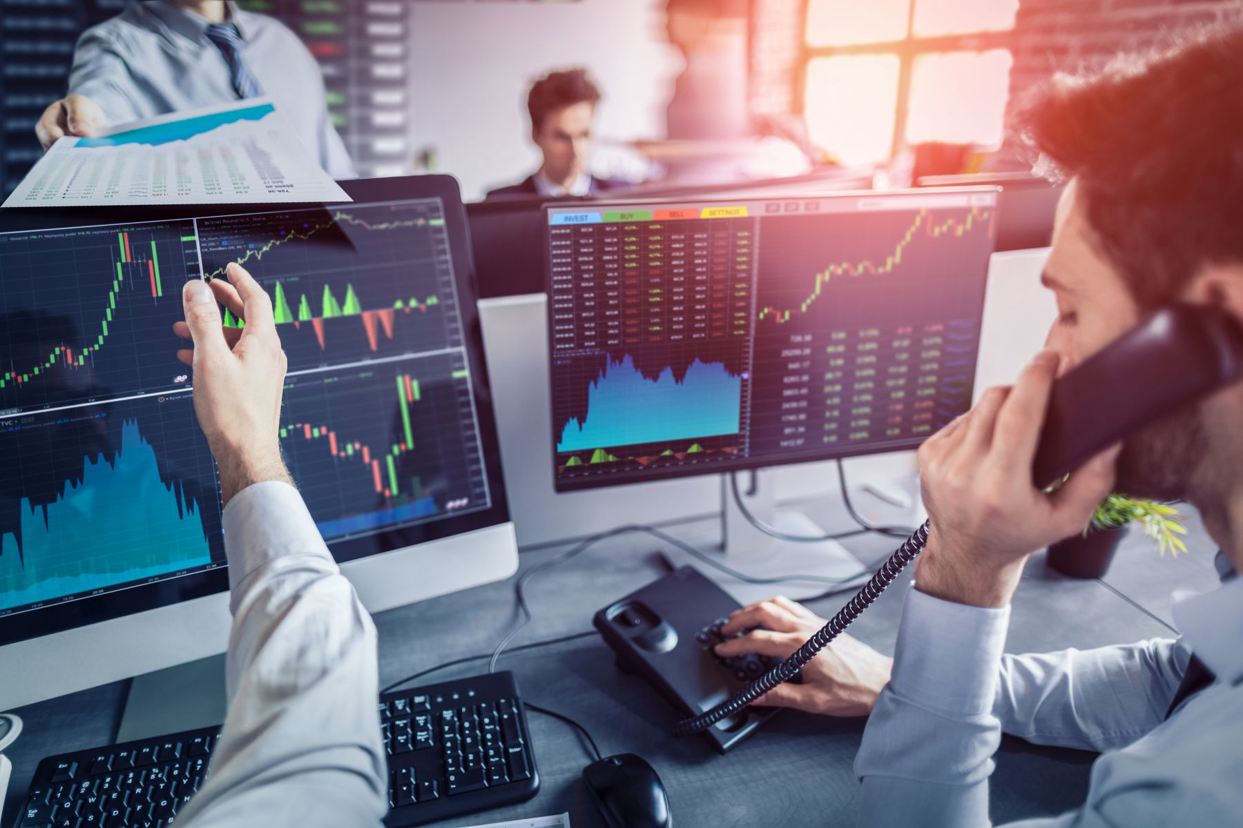 中方報復加徵關稅 美股不支倒地、蘋果重挫5.8%