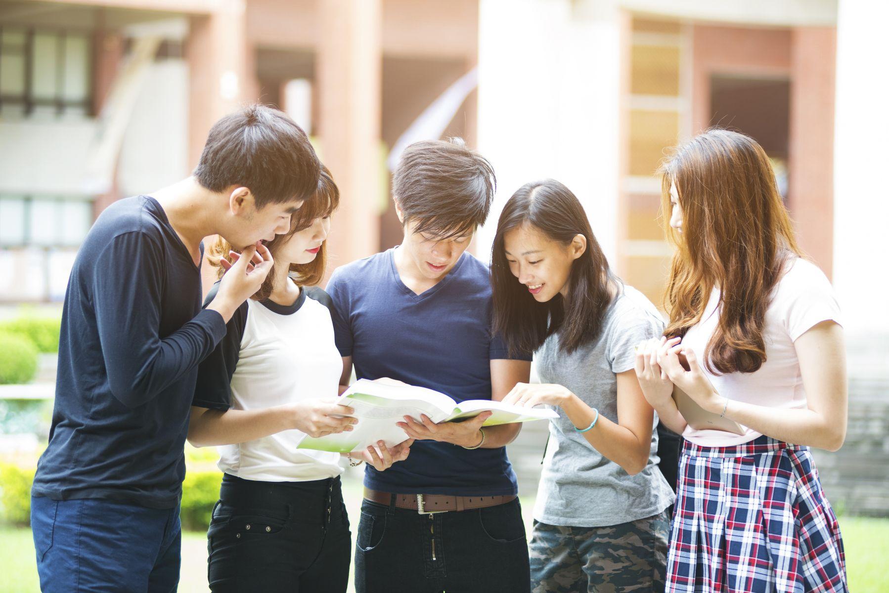 大學畢業生平均薪資3萬元 這兩行業最低薪