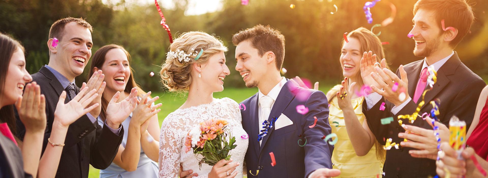 不只是婚宴,連拍婚紗都省了...窮,讓年輕人不得不務實!