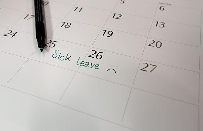 為了動小手術請假,老闆卻要你留停3個月,合法嗎?