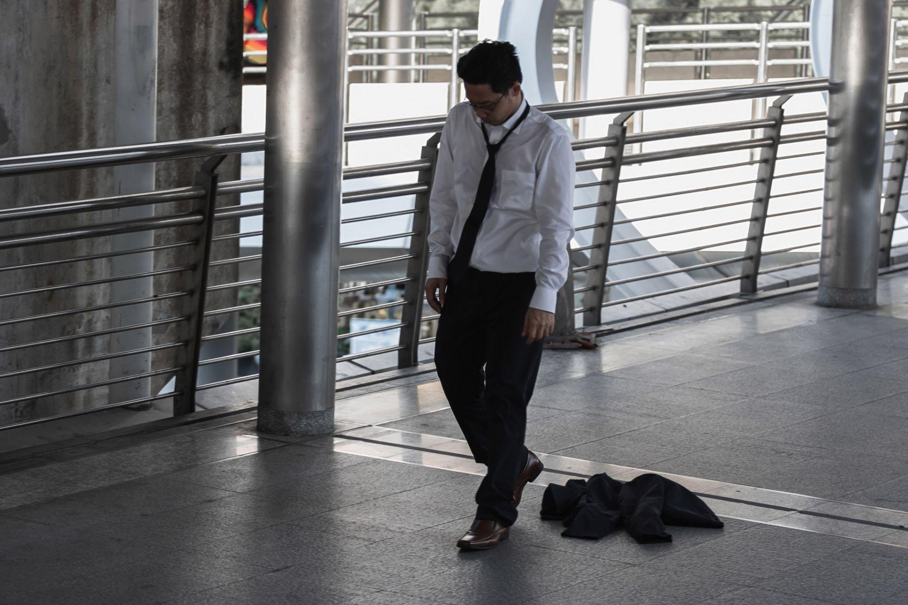 日本企業搶著用老人,為什麼在台灣「中年失業就難以翻身」?