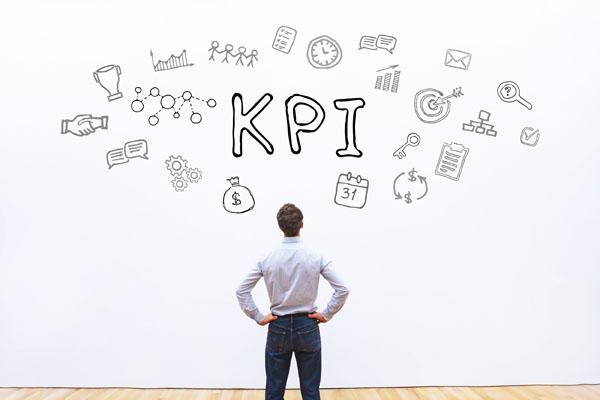 公司用業績數字當KPI,達不到就要資遣員工,這合理嗎?