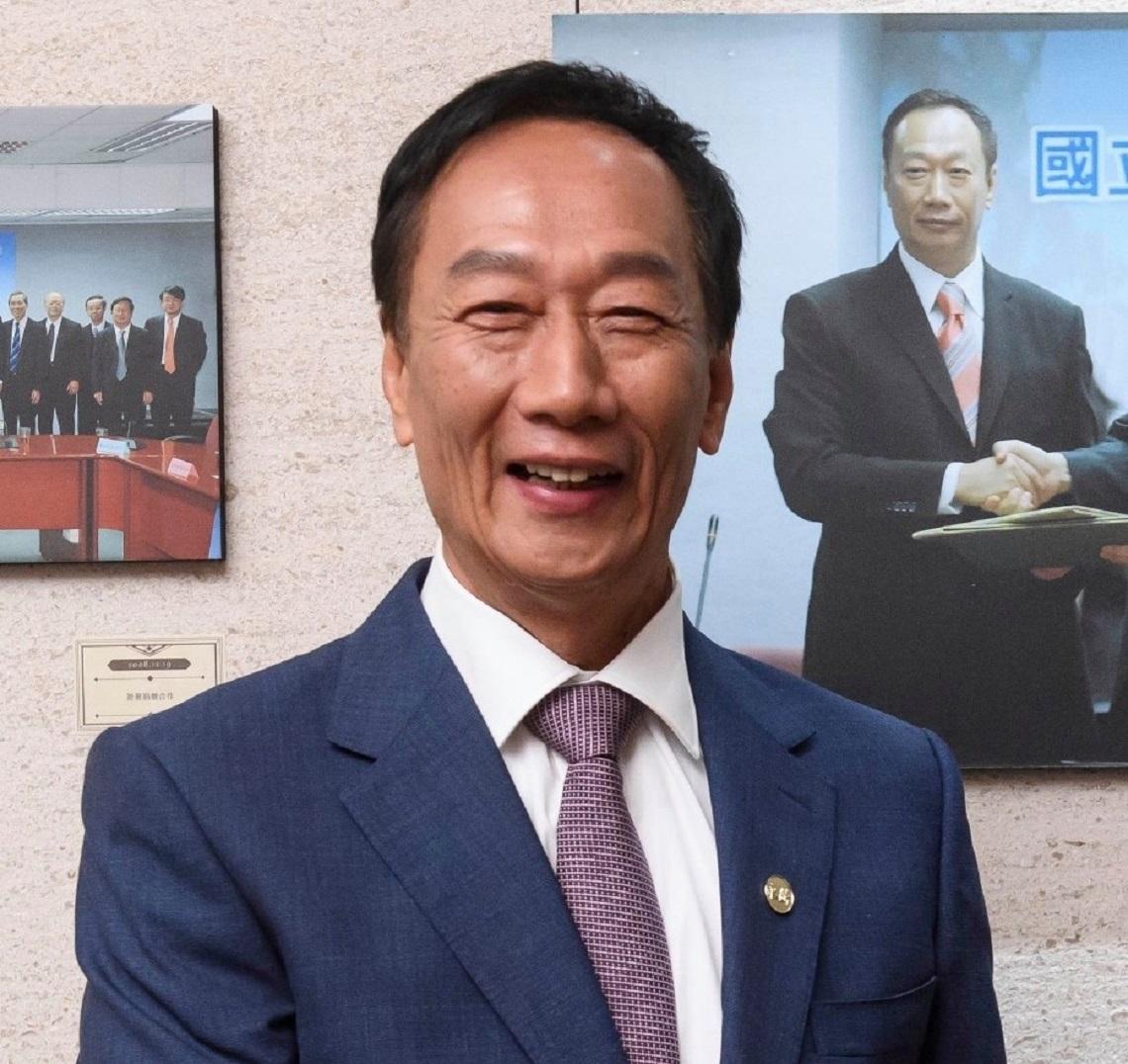 走向集體決策 鴻海9人經營委員會名單出爐