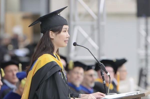 柏克萊150年第一人,台灣女孩畢業致詞:「照亮他人,讓世界成為更好的地方」