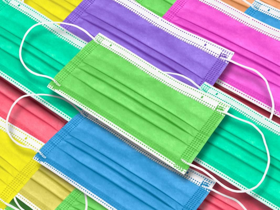 彩色口罩含「偶氮色料」恐致癌 顏色異常鮮豔要格外小心!