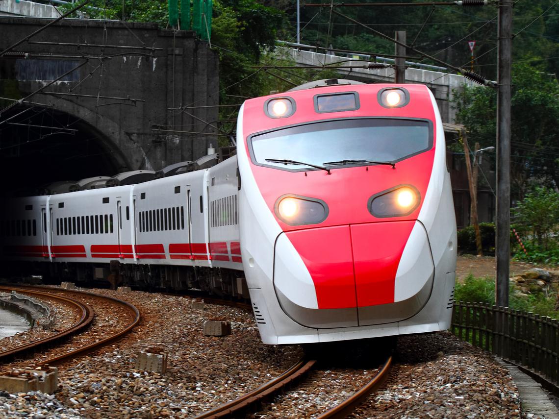 台鐵列車長證實遭隔離! CDC半小時急發2次澄清地點