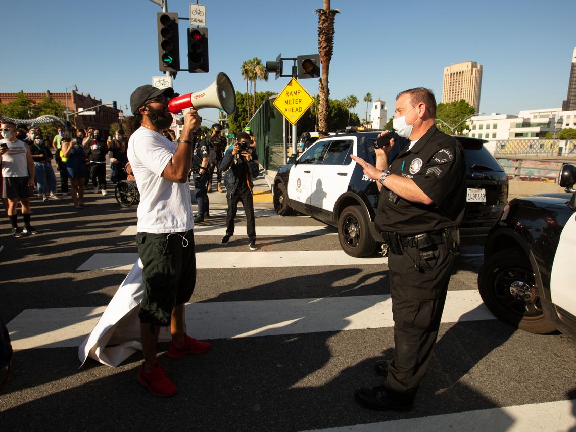 全美示威失控!洛杉磯等25城實施宵禁 8州要求國民兵進駐