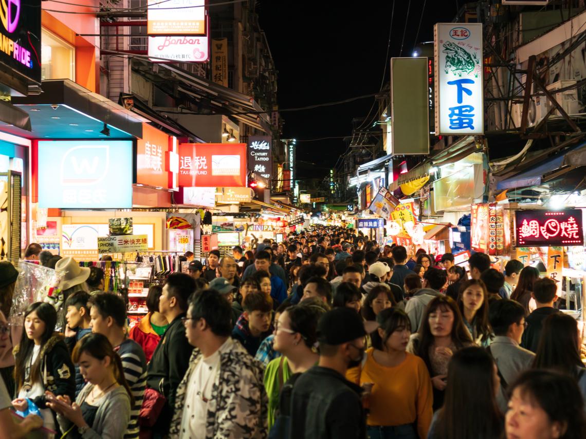 台灣防疫不能像球賽一樣「吃鍋貼」!清明連假爆出遊潮 醫建議做5件事亡羊補牢