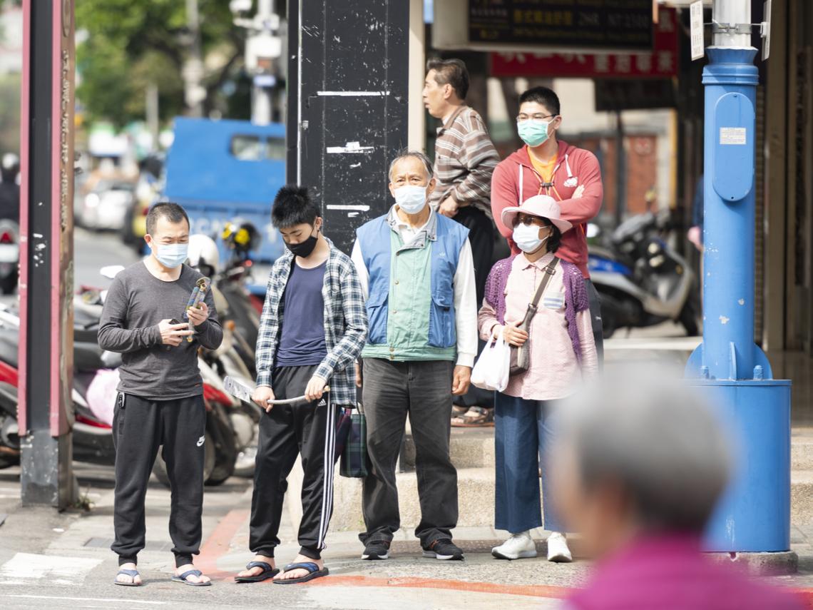 「無接觸、旅遊史確診者越來越多」 醫師:台灣防疫的動作很危險,像是在玩火