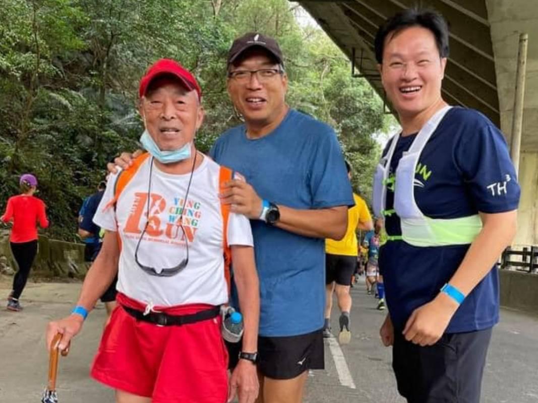 台北捷兔在台灣已將近半世紀!謝金河:我的一大雙腳成了第2509次主題照片