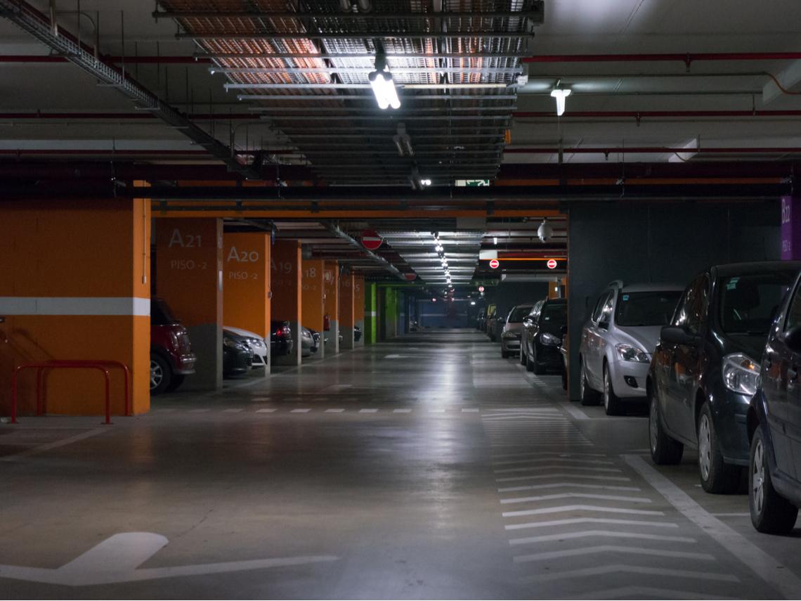 汽車停車位拿來停機車...管委會說NO! 住戶怒:私人車位也不行?