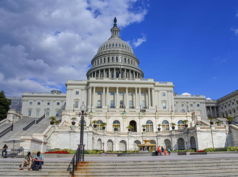 終於!美國會通過25兆紓困案 多數民眾將獲1.7萬現金