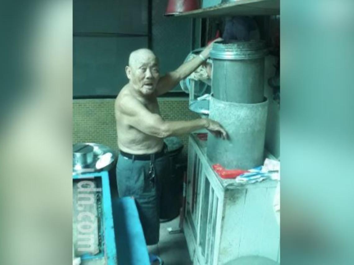 88歲豆花伯推車叫賣養活祖孫 傳有女子包買到月底6百杯
