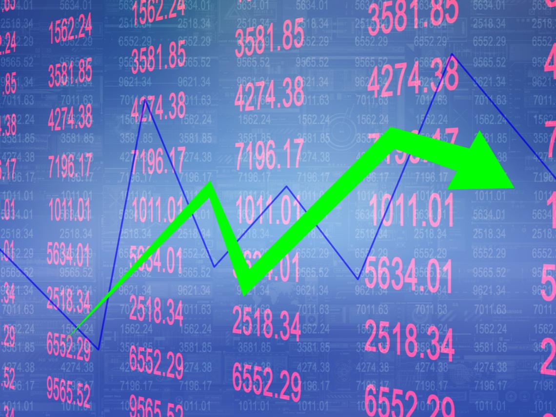 台股萬七得而復失,投資人該撤退了?專家:六項指標透露端倪