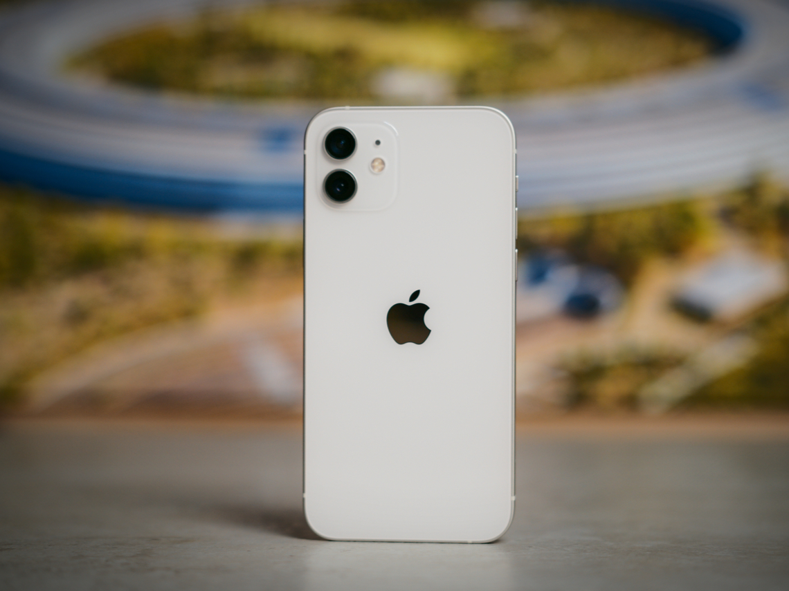 13 mini CP值超高...僅螢幕略小! 其餘「完勝」高一階的上代iPhone 12