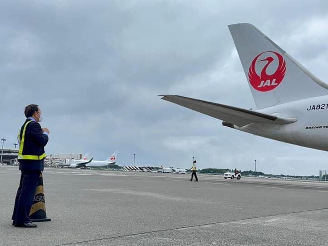 台日友好!113萬劑AZ疫苗下午抵台 謝長廷:人在日本,心在台灣