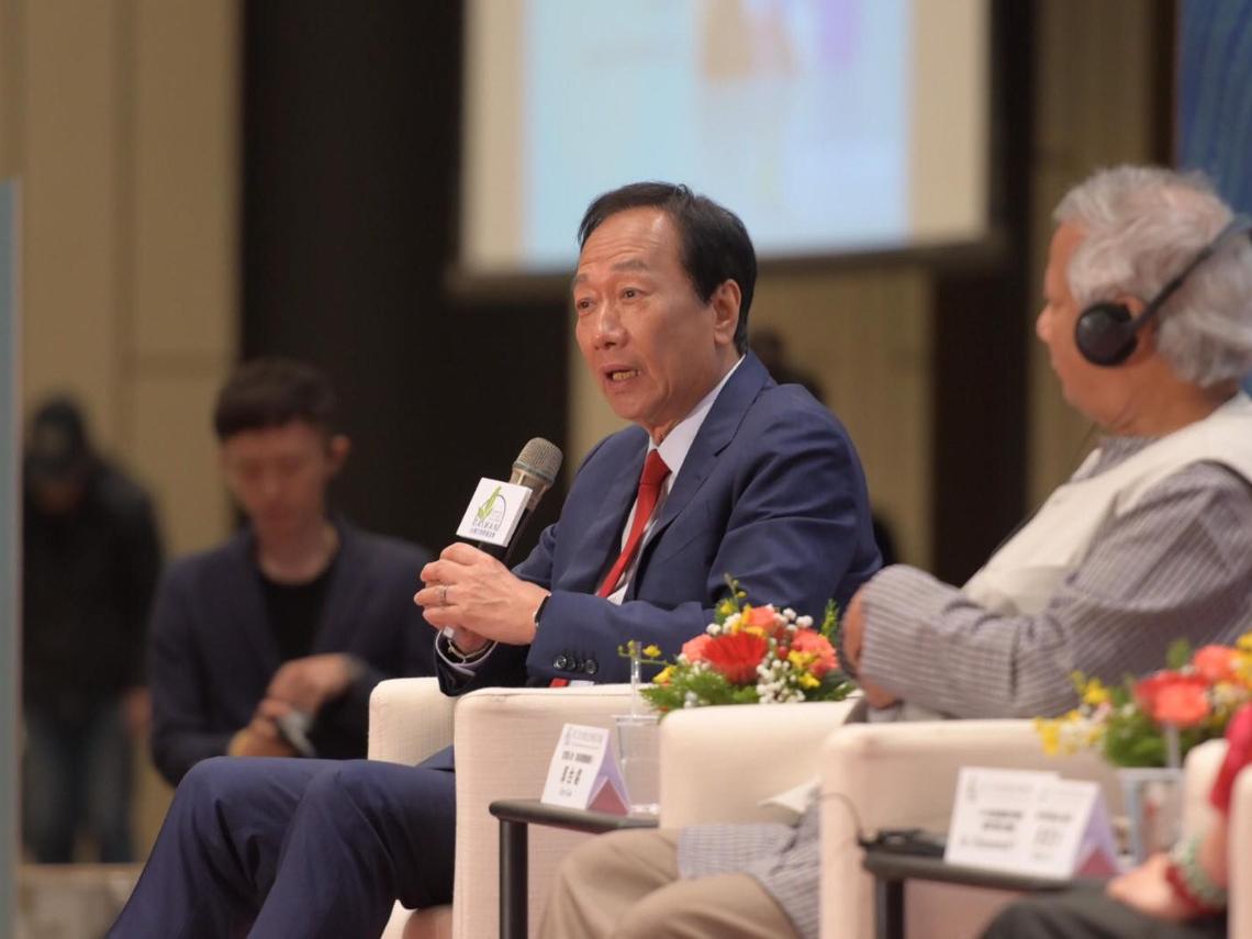 民間購捐疫苗衝衝衝!中國將開放施打BNT,郭台銘拼72小時送件,能搶購多少算多少