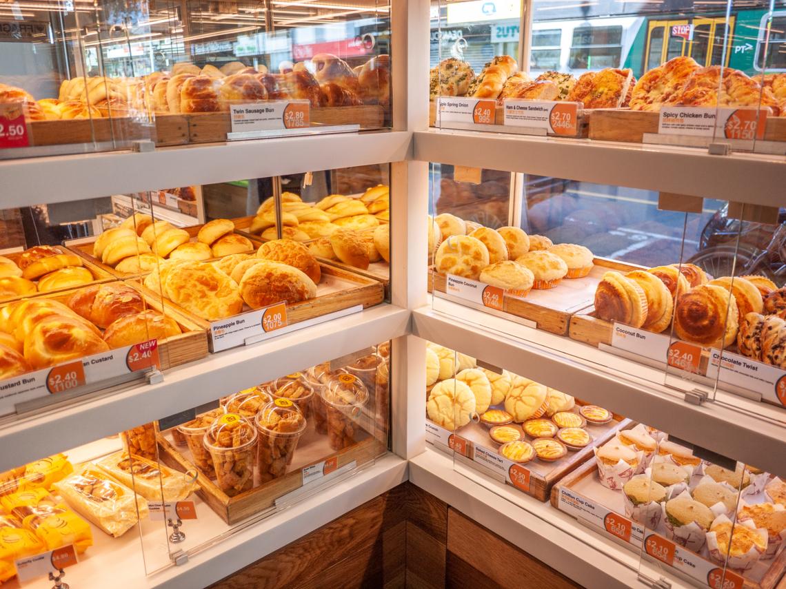 早餐「吃麵包」後總是昏昏欲睡? 營養師:常見「這6種」熱量跟碳水化合物超高!