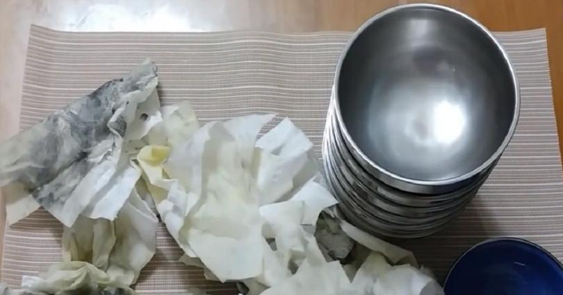 驚!新買不鏽鋼碗竟是滿滿「黑油」,避免全吞下肚...有三方法
