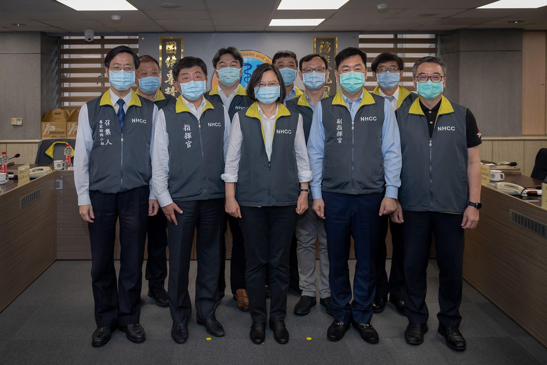蔡英文PO出台灣抗疫影片「獻給每位台灣人」 感動惹哭萬人!