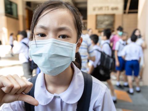 「台灣有111名潛在感染者無法偵測」 台大教授:防疫若沒升級,未來恐約7000人罹武漢肺炎