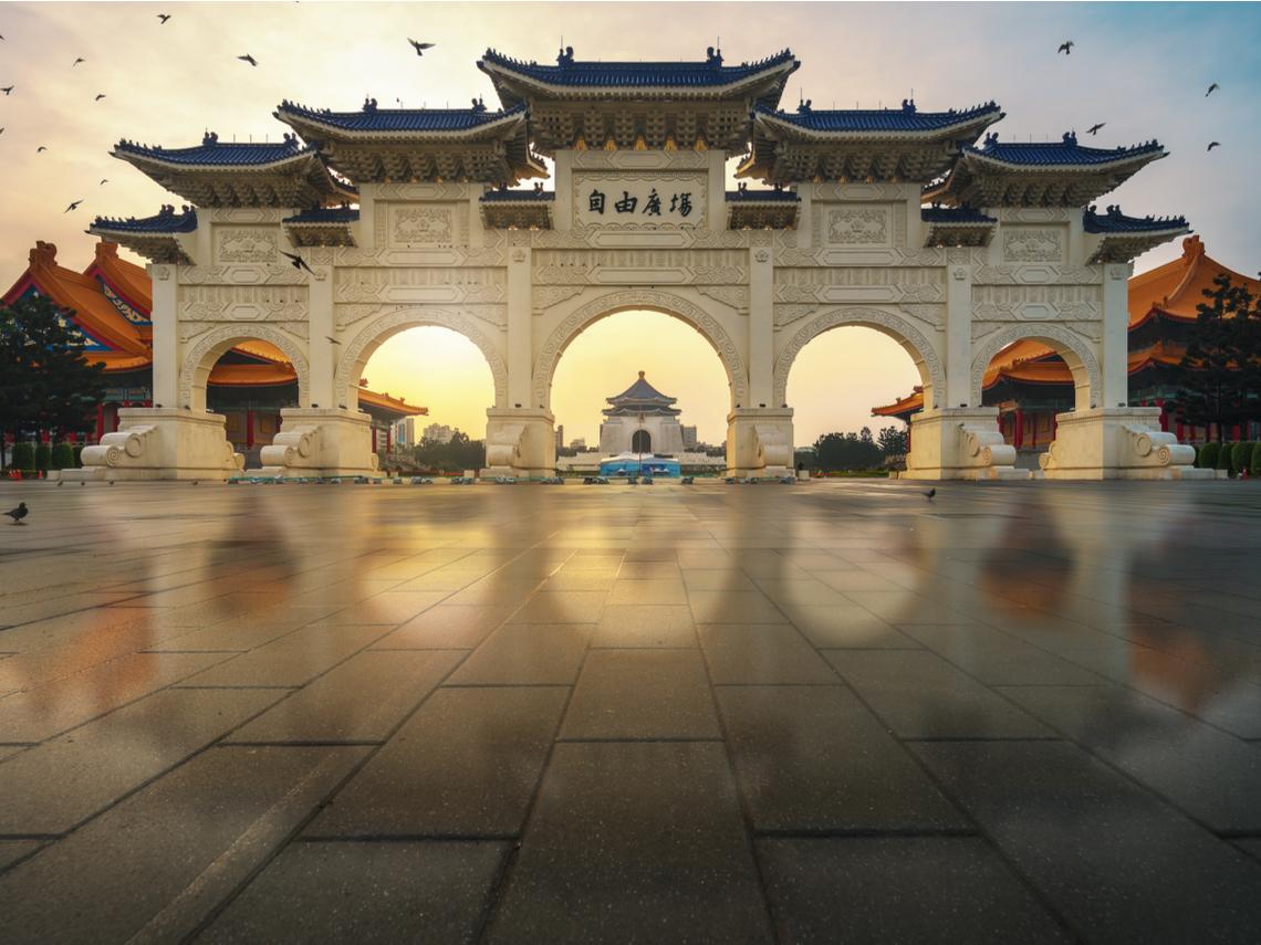 2020總統大選,將決定台灣是又失落20年,或再現「台灣錢淹腳目」榮景?