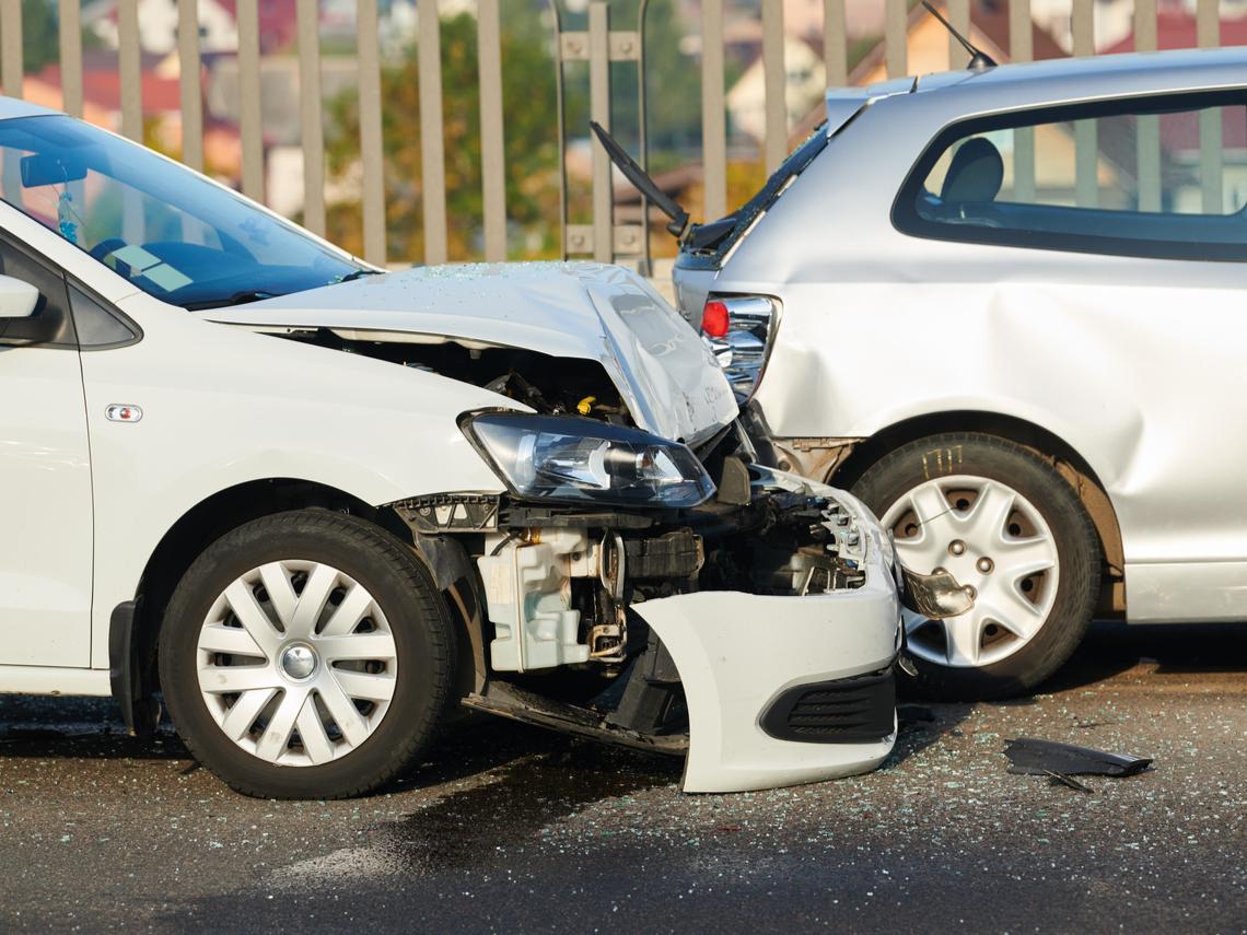 車禍發生時,不知道這3件事就完蛋了!比叫警察更重要的事是...