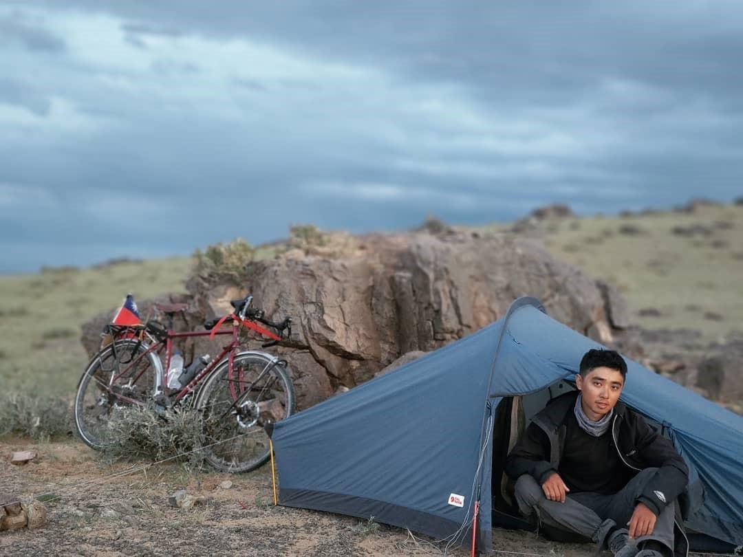 「這輩子不會再去中國!」台28歲青年騎自行車橫貫蒙古,被公安關押「保證讓你回不去」