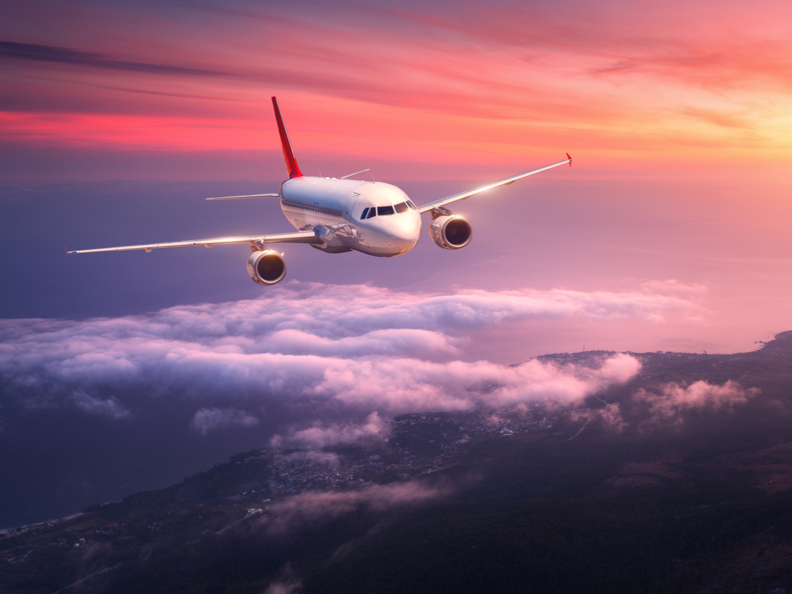 味覺少三分之一、會特別想哭、空氣跟沙漠一樣乾燥?揭密飛機10大冷知識