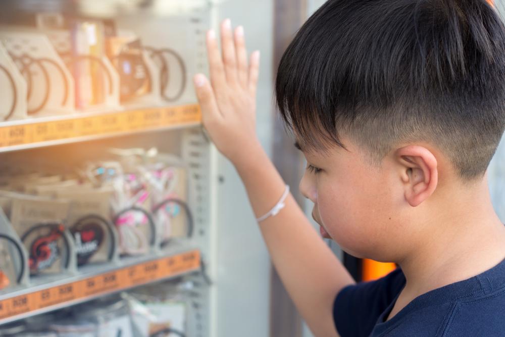 別讓校園變成苦行僧訓練場!食農專家看「智慧販賣機」爭議:下課吃個點心錯了嗎?