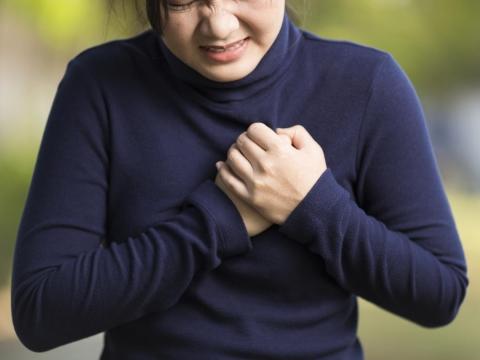 患有心血管疾病,武漢肺炎致命性更高!注意心臟病發作7症狀