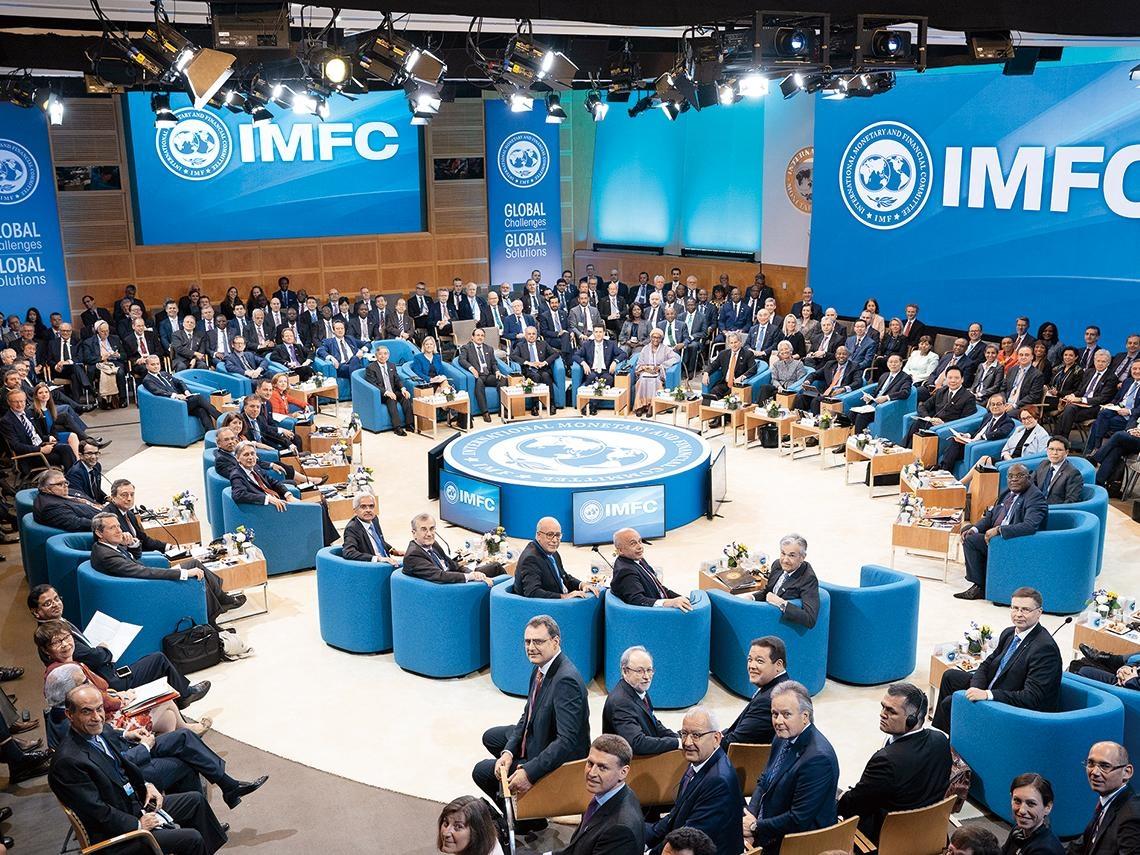 近百國湧入喊救命  擠爆IMF「急診室」