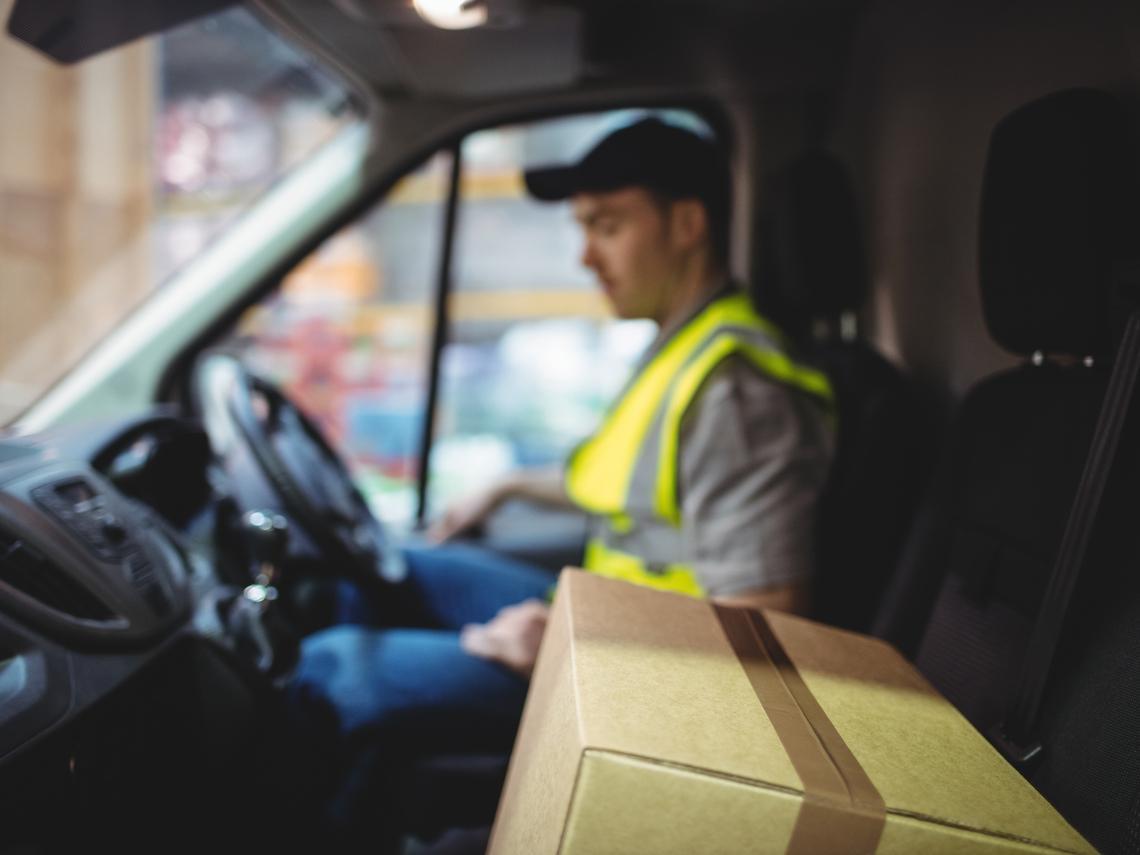 月薪3萬怎麼活?送貨司機親身經驗:如何花1萬小時學理財,每月多賺1.5萬