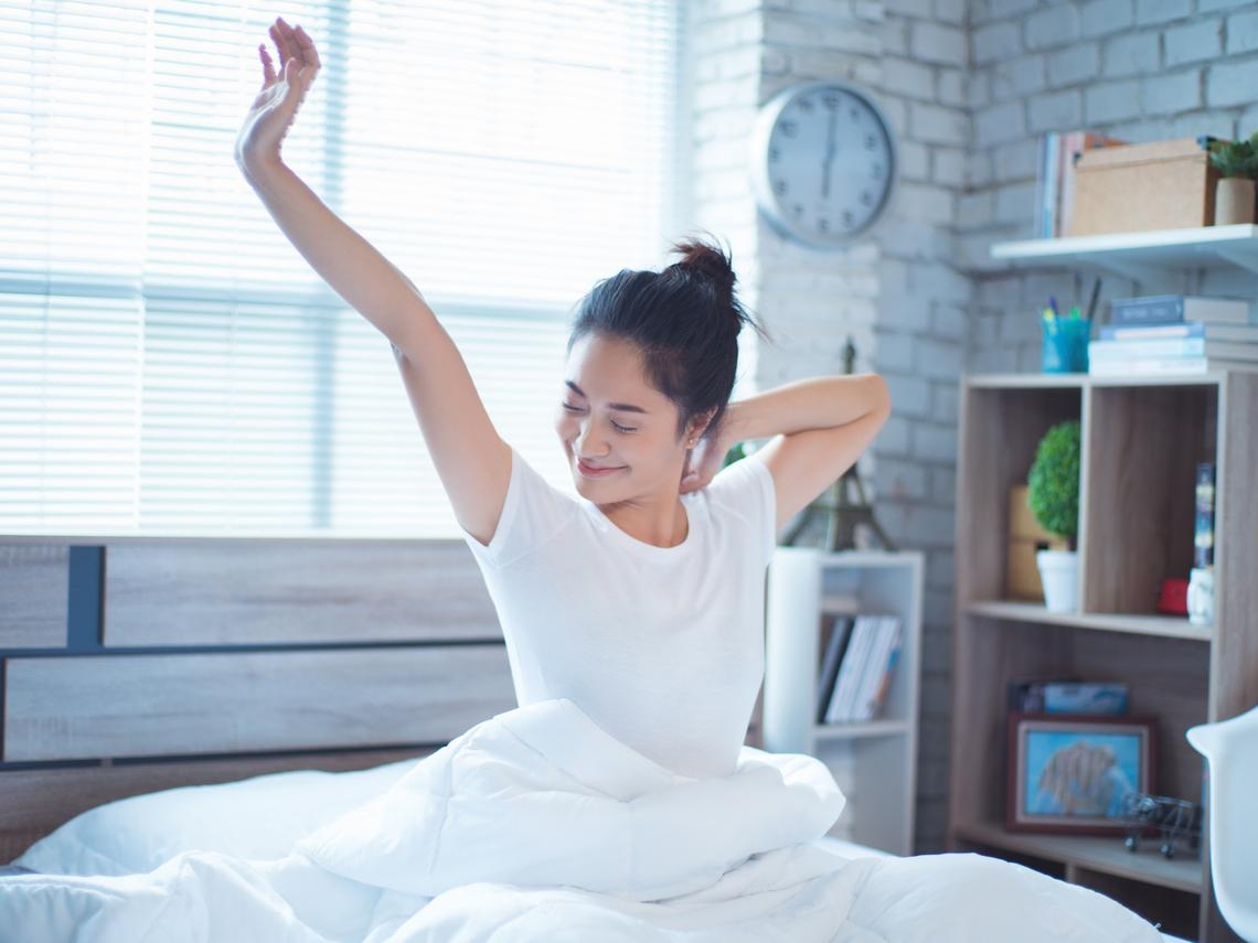 晚上總是失眠睡不著,又不想吃藥?身心科醫師公布助眠祕訣