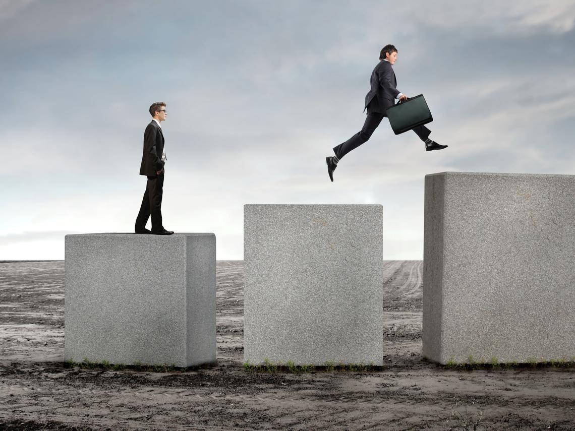 重要!大多數「約聘員工」都不知道:只要符合這2種狀況,你就能自動轉正職