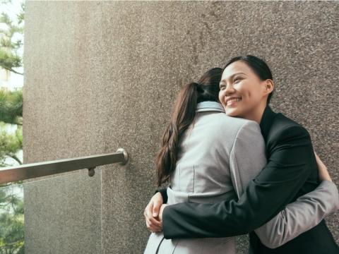 媽媽在彩虹橋留下的禮物:人生就是不斷地說再見,留下來的人要好好活,因為你的人生,無法重來一次